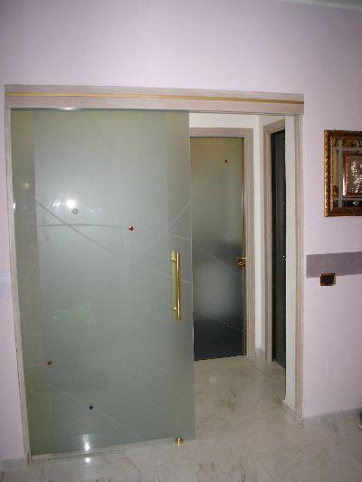 Punto vetro vetri per interni lavorazione e - Porte scorrevoli per interni ...