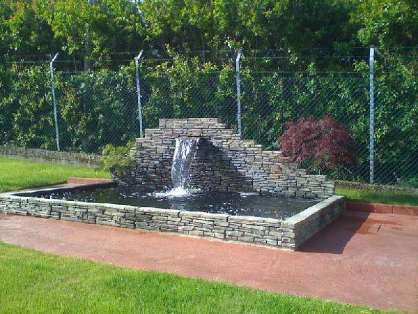 Koi project s a s laghetti ornamentali da giardino for Laghetti ornamentali