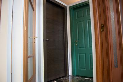 Porte infissi installazione porte e serramenti porte - Montaggio porte interne ...