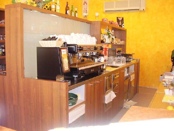 Cavarzere arredamenti mobili per uffici bar e negozi for Grandi arredi bari