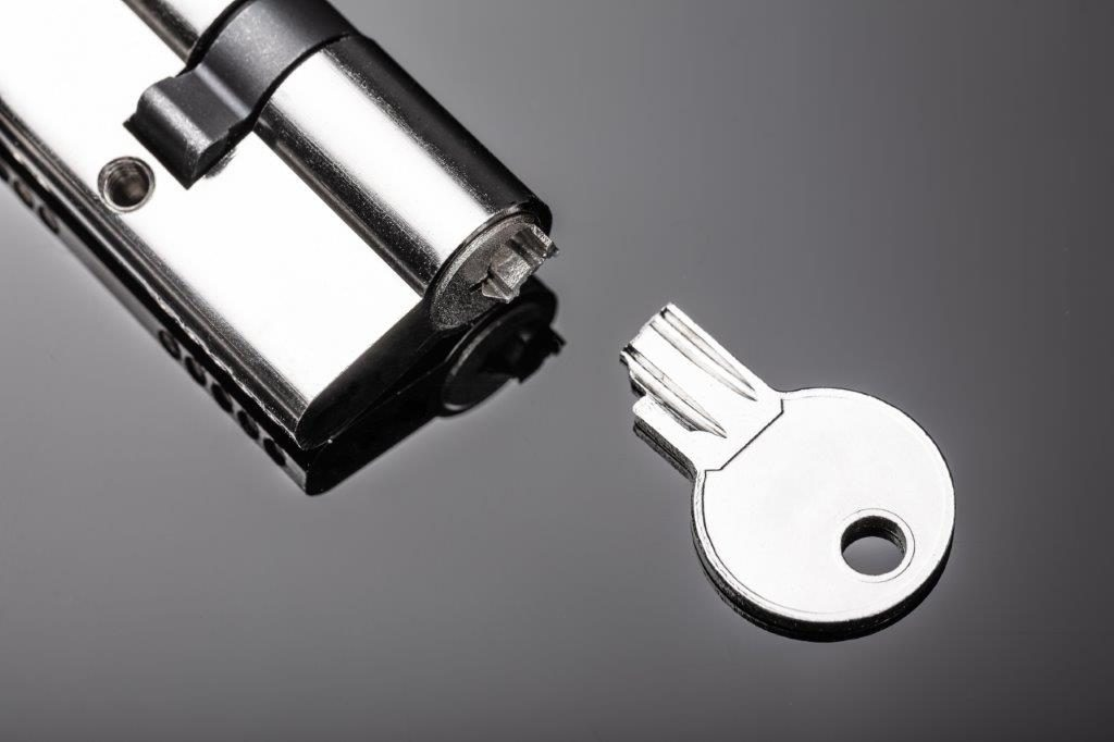 Chiave spezzata nella serratura