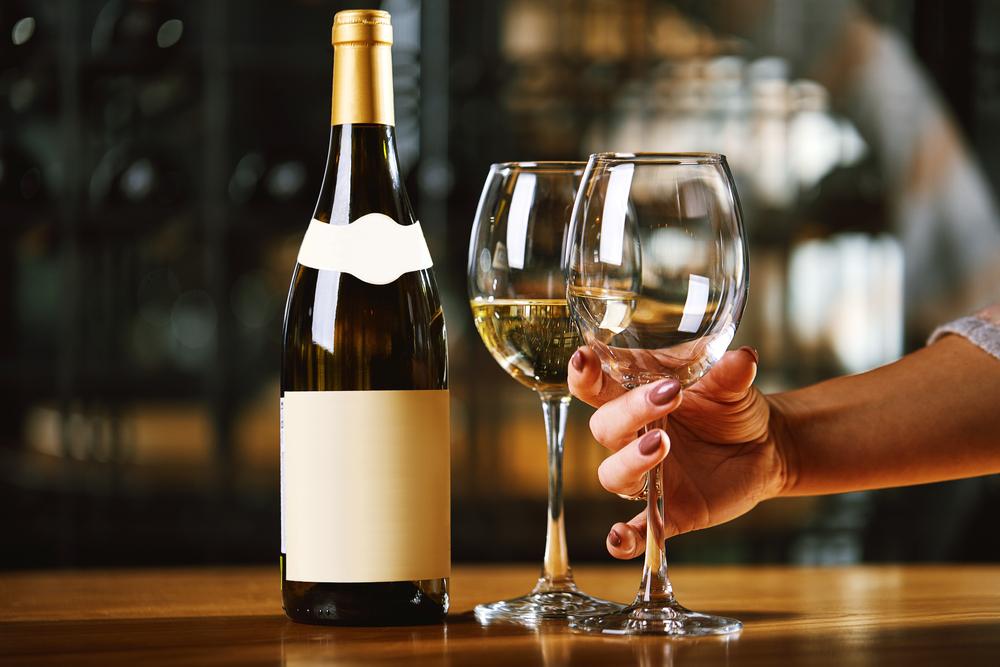 Tra enoteche tradizionali ed online: dove trovare il miglior vino