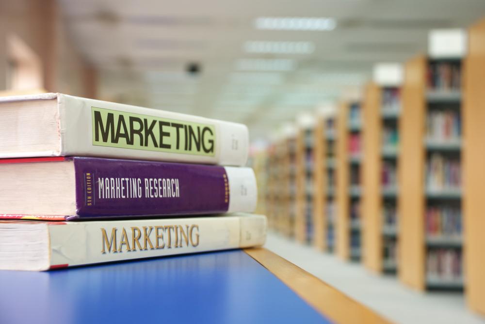 10 libri di marketing da leggere quest'estate sotto l'ombrellone
